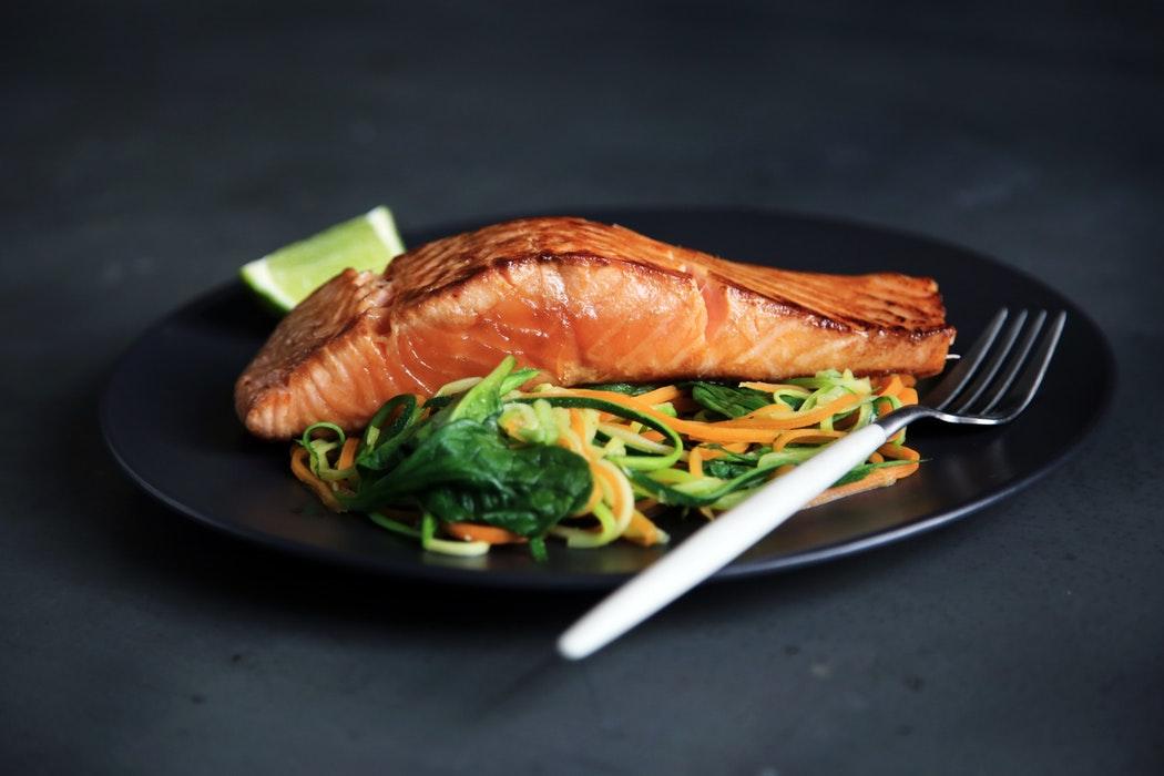 Filetto di salmone e verdurine