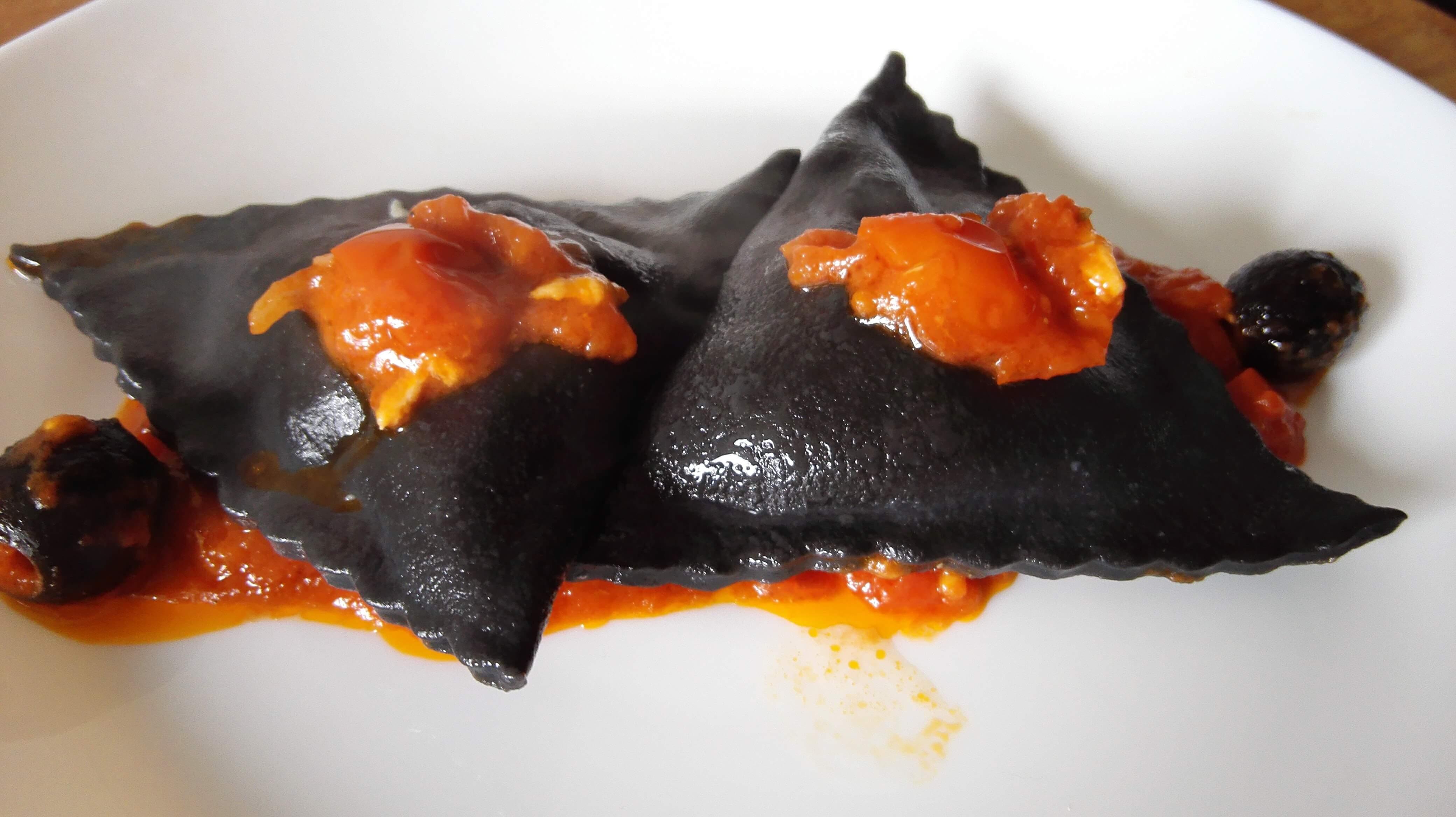 Ravioli al nero di Seppia, una ricetta di marblu