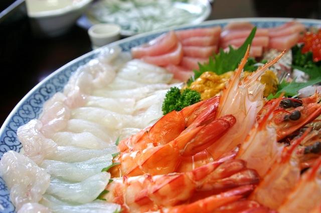 Pesce Crudo VS Pesce Cotto: ecco rischi e benefici | Marblu