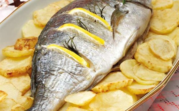 Orata al forno con patate | Pesce fresco Marblu