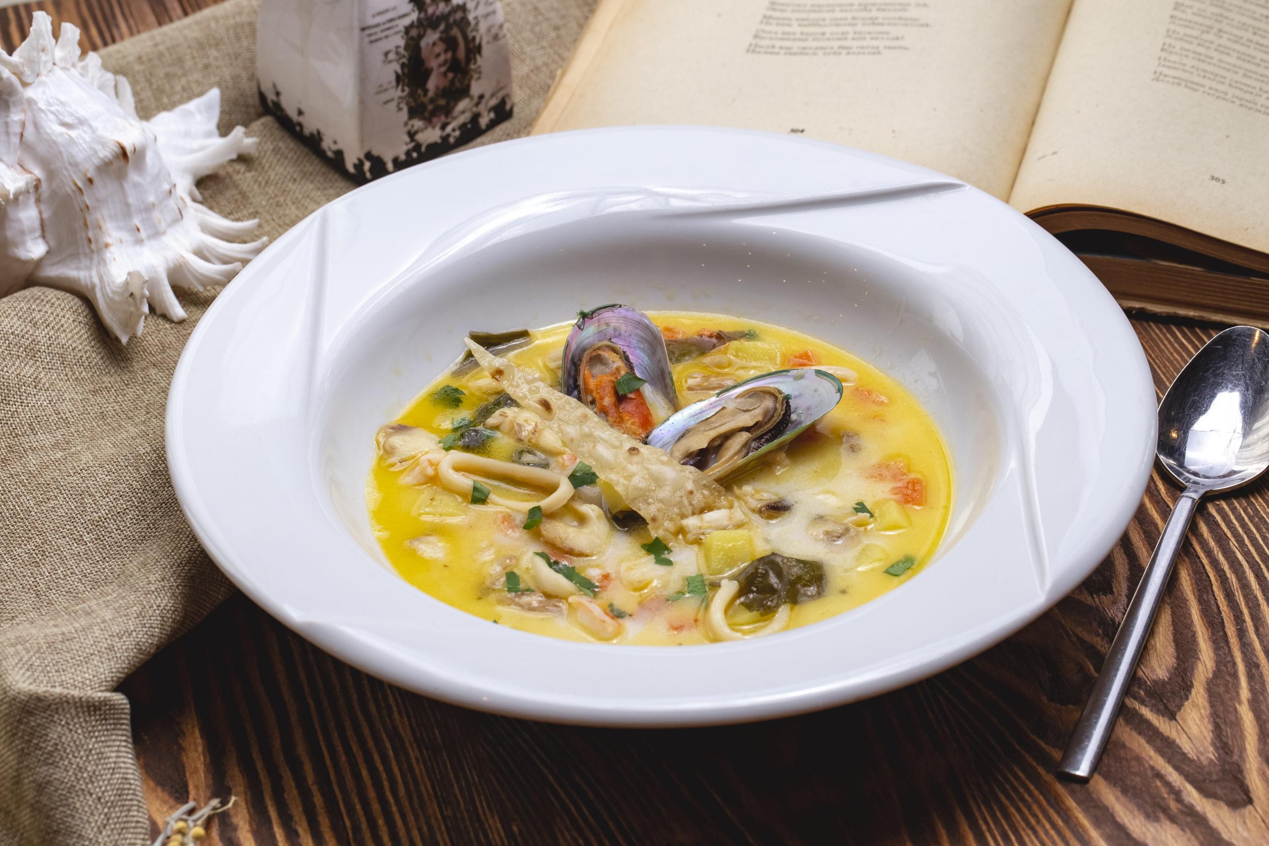 Chraime, la zuppa di pesce piccante